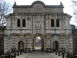 Cittadella_(Parma)_-_ingresso_monumentale.JPG